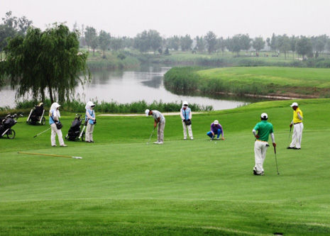 Experience golf and enjoy healthy life